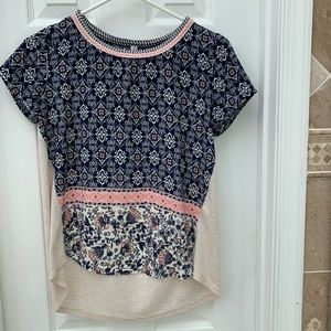 Patterned tee